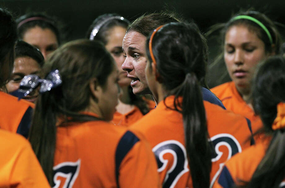 Brandeis coach Liz Beyer reached the milestone 100th win during the Broncos' 12-10 victory over Eagle Pass Feb. 20 at the Smithson Valley tournament. Beyer is 102-74 overall. Photo: TOM REEL /San Antonio Express-News / San Antonio Express-News