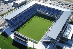 Alan Black on soccer: Strike could delay Quakes' stadium opening - Photo