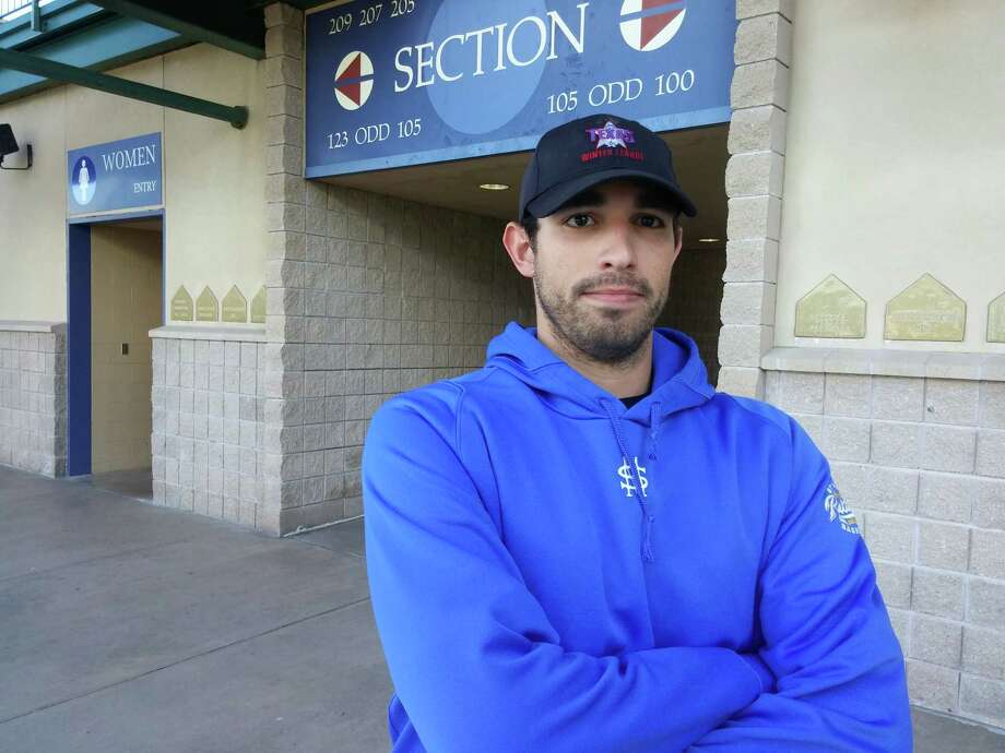 Rene Solis is a prospect in the San Antonio-based Texas Winter League baseball circuit that Ozzie Canseco believes may have played his way into a contract. Photo: Roy Bragg / San Antonio Express-News