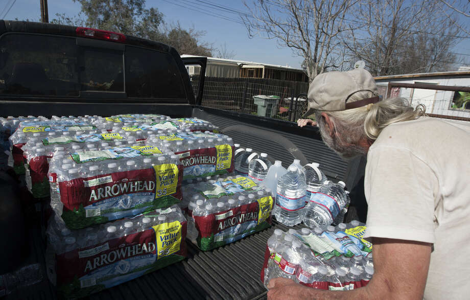 A worsening of the drought could force Californians in some areas to rely on imported drinking water. Photo: David McNew / Getty Images / 2015 David McNew