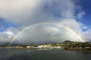 Small storm begins to dampen Northern California - Photo