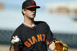Giants to hold Cain out of early exhibition games - Photo