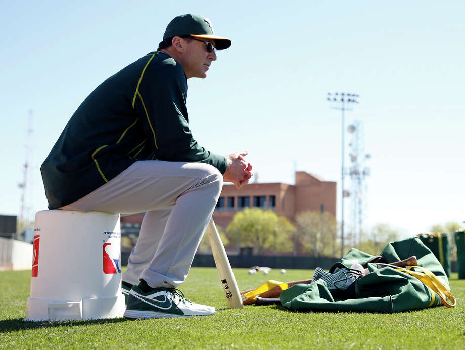 A's manager Bob Melvin, with so many new faces on the team, will have his skills as a chemistry professor tested. Photo: Scott Strazzante / The Chronicle / ONLINE_YES