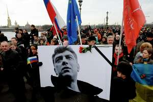 Thousands rally in Moscow to mourn Putin critic Boris Nemtsov - Photo