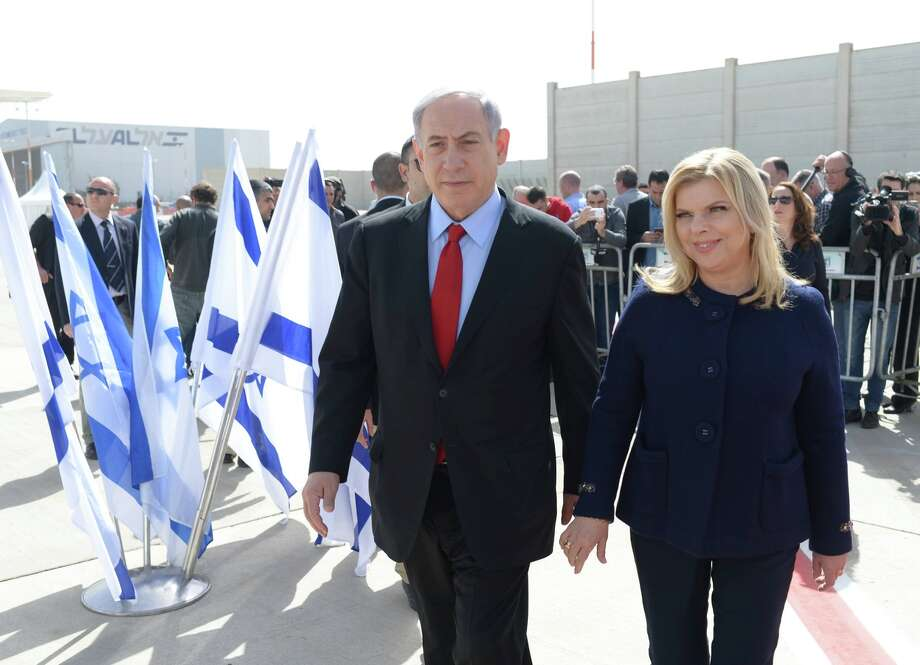 Prime Minister Benjamin Netanyahu and wife Sarah set out for Washington from Tel Aviv. Photo: Handout / Getty Images / 2015 GPO