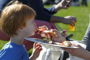 Sun, cuisine both shine for festive crowd at Presidio picnic - Photo