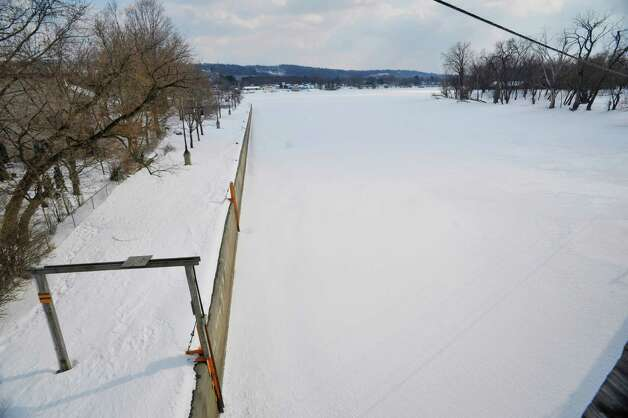 A view from the Second St. bridge over the Mohawk River looking east towards the Hudson River on Monday, March 2, 2015, in Waterford, N.Y.  (Paul Buckowski / Times Union) Photo: PAUL BUCKOWSKI / 00030827A