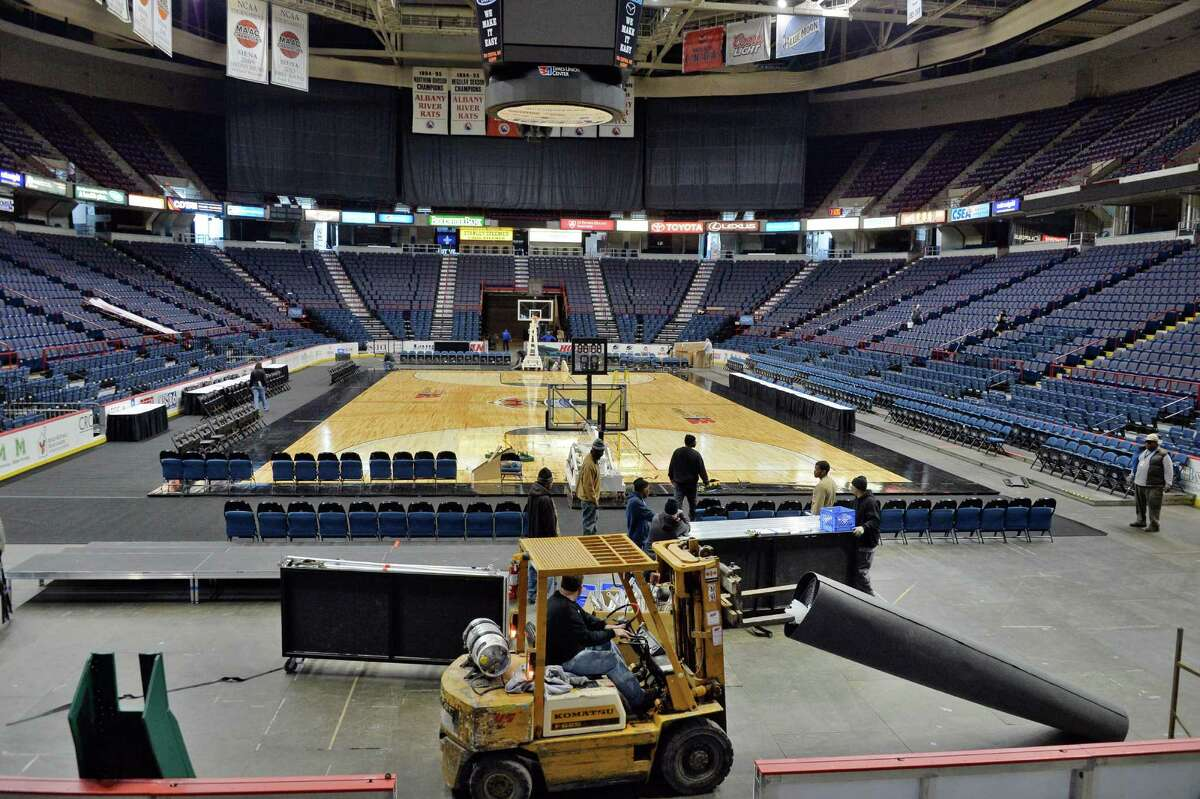 Crews prepare for the upcoming MAAC basketball tournament at the Times Union Center Tuesday, March 3, 2015, in Albany, NY. (John Carl D'Annibale / Times Union)