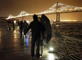 In case you missed it, the Bay Lights are about to go dark — at least for the next 11 months — and this week is your last chance to see them before they're turned off so that Caltrans can do maintenance work on the bridge. If you want to head down to the waterfront to say goodbye,  you have two opportunities : 7:30 p.m. Thursday or 5:30 a.m. Friday on the Embarcadero behind Waterbar.
