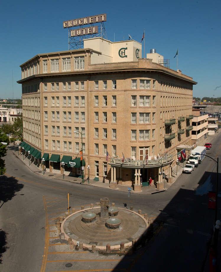 The Crockett Hotel Photographed In 2004 Photo Bob Owen San Antonio Express