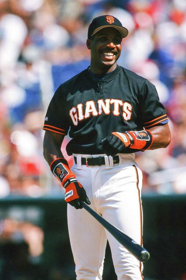 Barry Bonds bats during the 1996 All-Star Home Run Derby on July 8, 1996 at Veterans Stadium in Philadelphia. Photo: The Sporting News, Getty Images / 1996 Sporting News
