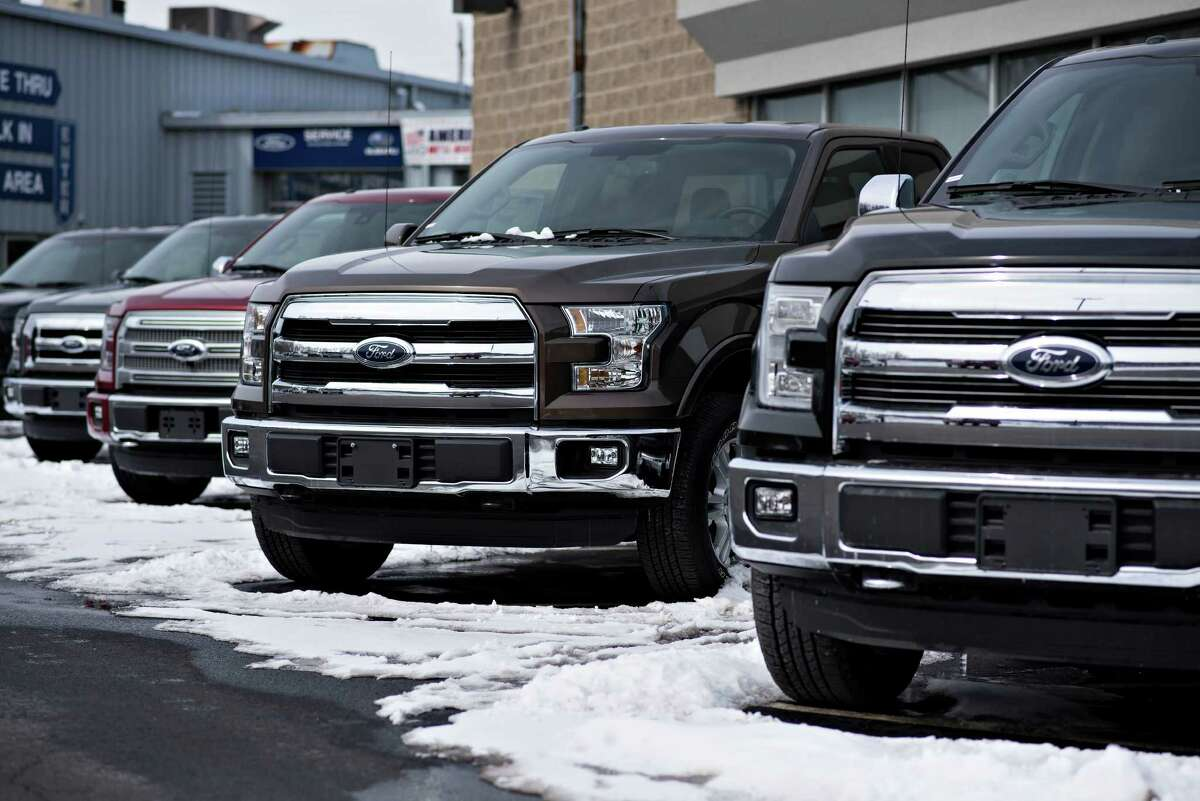 New vehicle sales in the Houston area improved in October after a disappointing September, but the total reiterated a downward trend that has lasted for months.