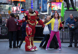 """Ellie Kemper has the title role as a """"mole woman"""" in a cult that thought the world ended 15 years ago, with Tituss Burgess as her roommate in New York, in """"Unbreakable Kimmy Schmidt."""""""