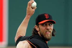 Giants' Madison Bumgarner unruffled after rocky 1st start - Photo