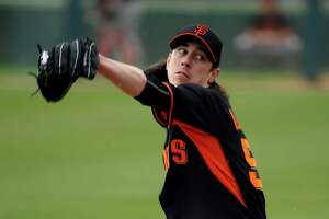 Solid first outing encourages Giants' Tim Lincecum - Photo