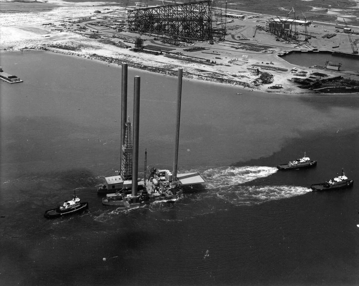 A drilling rig in 1981