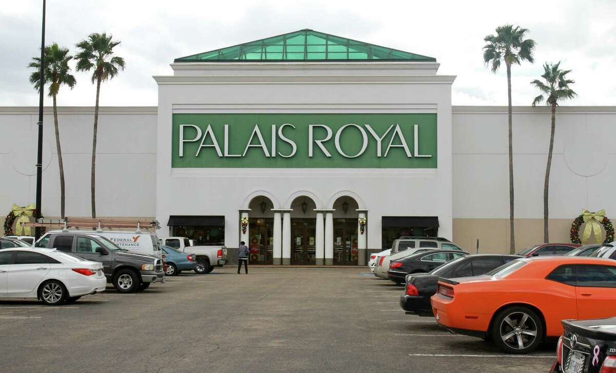 Palais Royal in Meyerland Plaza Mall. (For the Chronicle/Gary Fountain, November19, 2014)