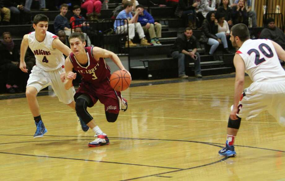 New Canaan resident Jordan Sechan dribbles through traffic. Photo: Desiree Smock, Contributed / New Canaan News