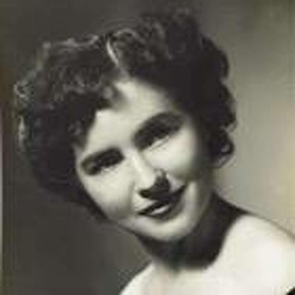 Minnie Jaye Davis Sherrer and her family traveled the world.