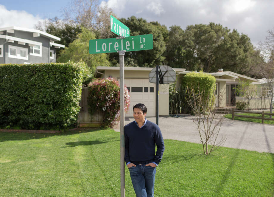 "Nextdoor CEO Nirav Tolia stands in the Lorelei neighborhood in Menlo Park. ""People truly do want to bring back a sense of community,"" he wrote on a blog. Photo: JASON HENRY / New York Times / NYTNS"