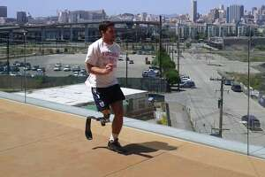 S.F. Paralympic runner's blade leg stolen from his car - Photo