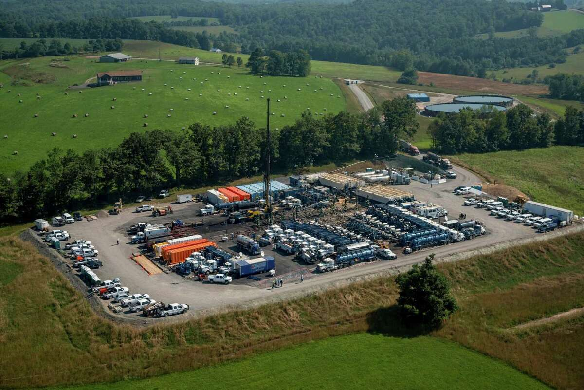 Baker Hughes crews and equipment work at a hydraulic fracturing site in Pennsylvania's Marcellus Shale. (Baker Hughes photo)