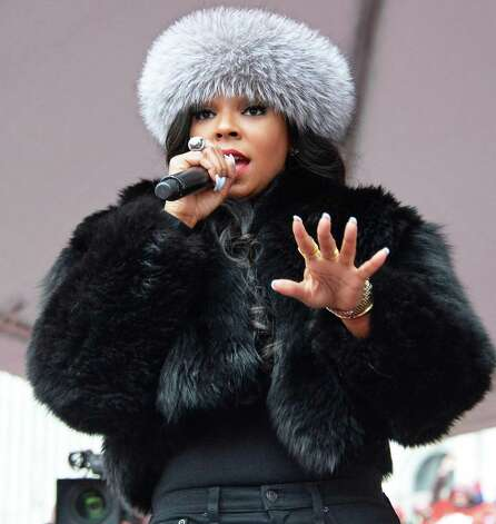Singer Ashanti performs at a pro charter rally at the Capitol Wednesday March 4, 2015 in Albany, NY.  (John Carl D'Annibale / Times Union) Photo: John Carl D'Annibale / 00030815A