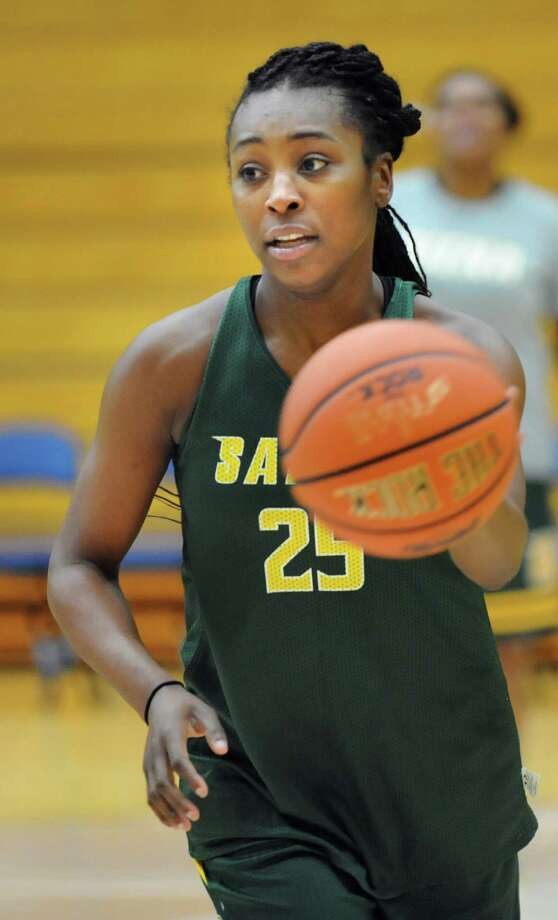 Siena's Tehresa Coles drives up court during basketball practice on Friday, Nov. 7, 2014, at Siena College in Loudonville, N.Y. (Cindy Schultz / Times Union) Photo: Cindy Schultz / 00029383A