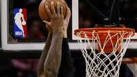 Spurs continue to show signs of life with romp over Kings - Photo