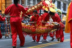 Where to eat and drink along the Chinese New Year Parade - Photo