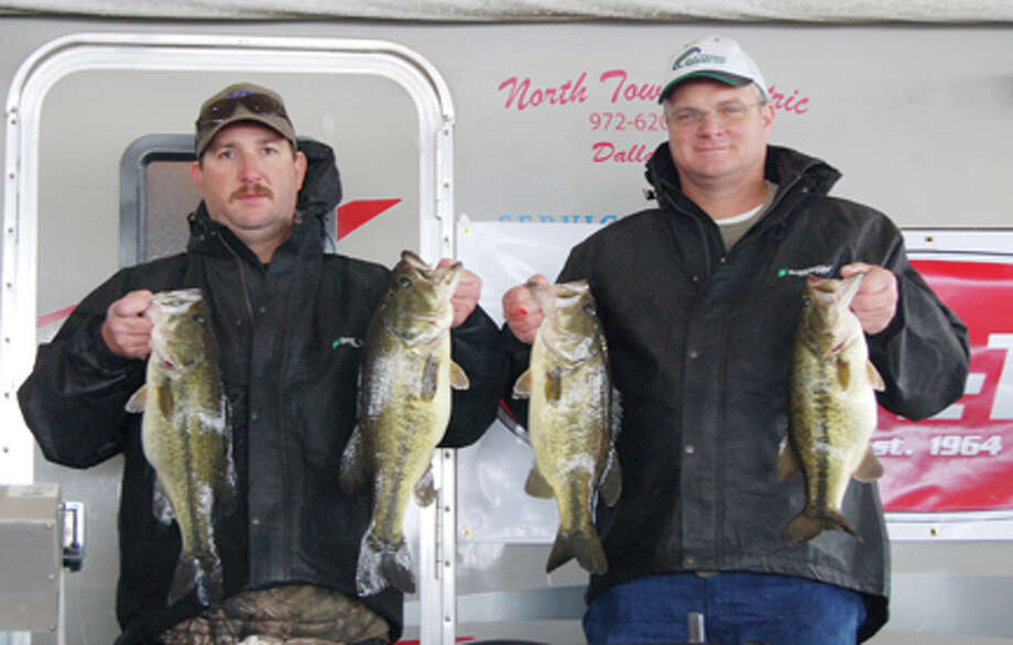 Matt Evans & Ricky Flanigan reeled in the win bringing in over 23 pounds by making a risky move  Photo by Patty Lenderman / Lakecaster