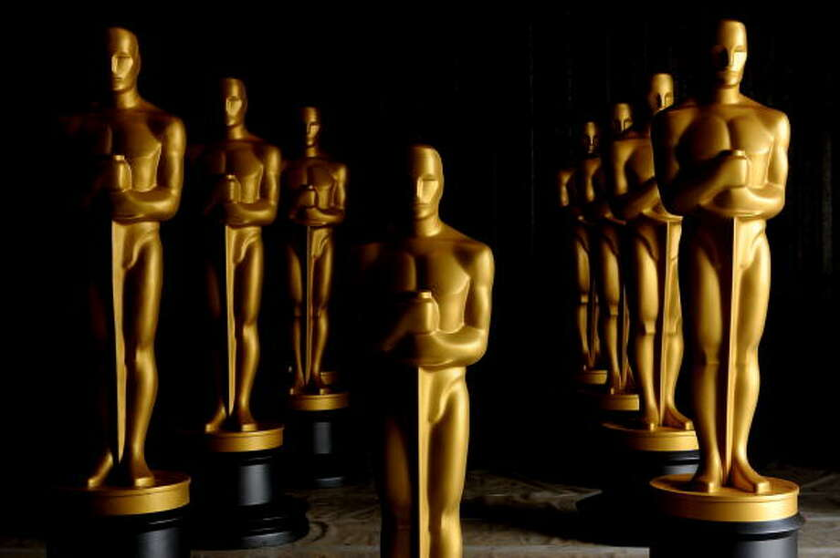 Freshly painted Oscar Statues in preparation for the Governors Awards and the 82nd Academy Awards at a secret location on October 19, 2009 in Northern Los Angeles County, California. (Photo by Kristian Dowling/Getty Images) / 2009 Getty Images