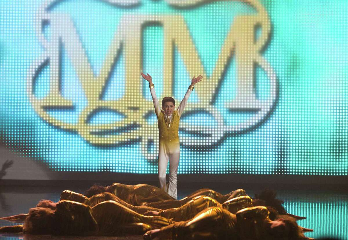 """San Francisco native J.J. Totah, 13, makes a memorable debut as Myron Muskovitz on """"Glee"""" by performing """"Lose My Breath"""" by Destiny's Child."""