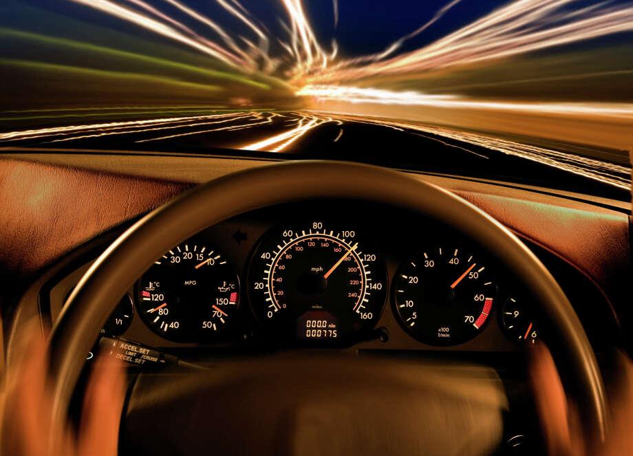 Современный двигатель рассчитан примерно на 300-400 тысяч километров