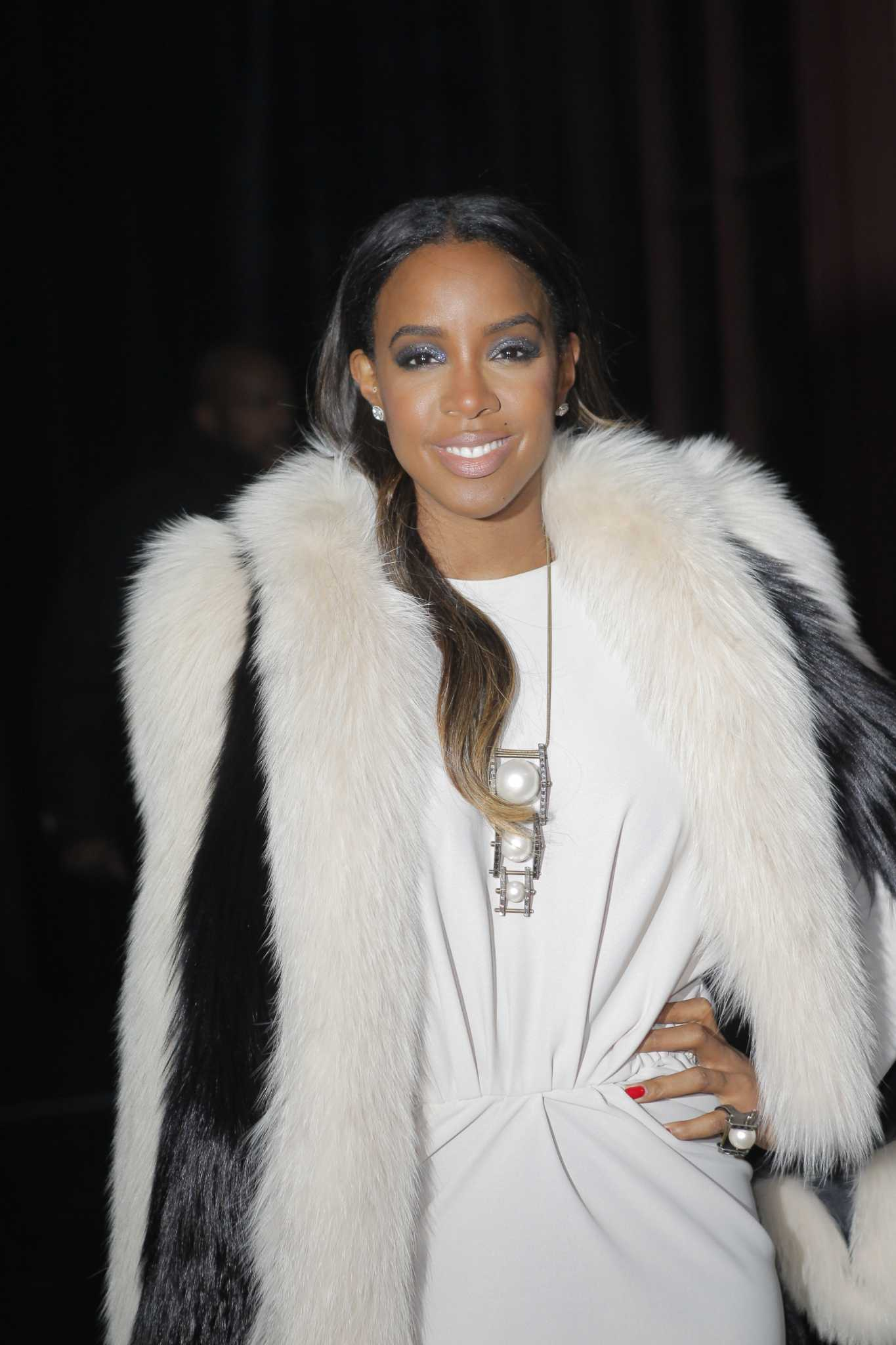 Kelly Rowland to debut makeup line for women of color