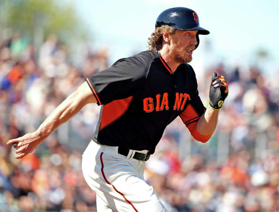 San Francisco Giants' Hunter Pence grounds out against Oakland Athletics in Spring Training Cactus League game at Scottsdale Stadium in Scottsdale, Arizona, on Wednesday, March 4, 2015. Photo: Scott Strazzante / The Chronicle / ONLINE_YES