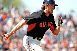 GIANTS UPDATE: Bochy says Hunter Pence likely has broken arm - Photo