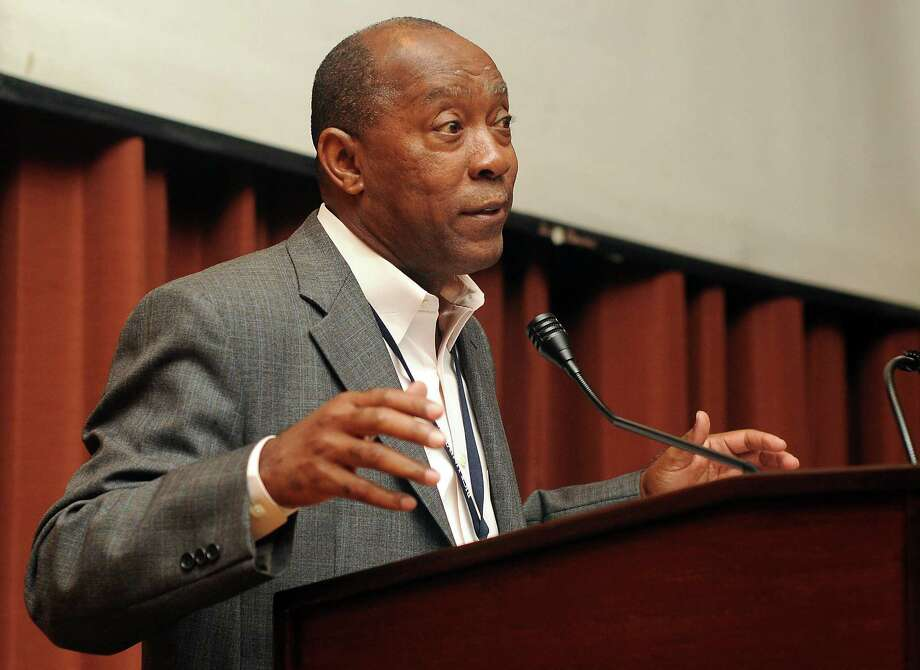 Legislation introduced by state Rep. Sylvester Turner, D-Houston,  would prohibit electric companies from penalizing customers who don't use enough power during a monthly billing cycle. Photo: Dave Rossman, Freelance / © 2013 Dave Rossman