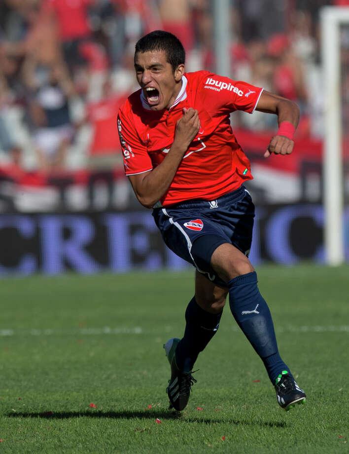 Leonel Miranda is a midfielder from Argentina. Photo: Eduardo Di Baia, STF / AP2013
