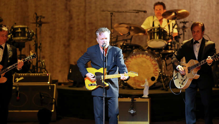 John Mellencamp (center) performs Thursday March 5, 2015 at the Tobin Center for the Performing Arts. Photo: Edward A. Ornelas, San Antonio Express-News / © 2015 San Antonio Express-News
