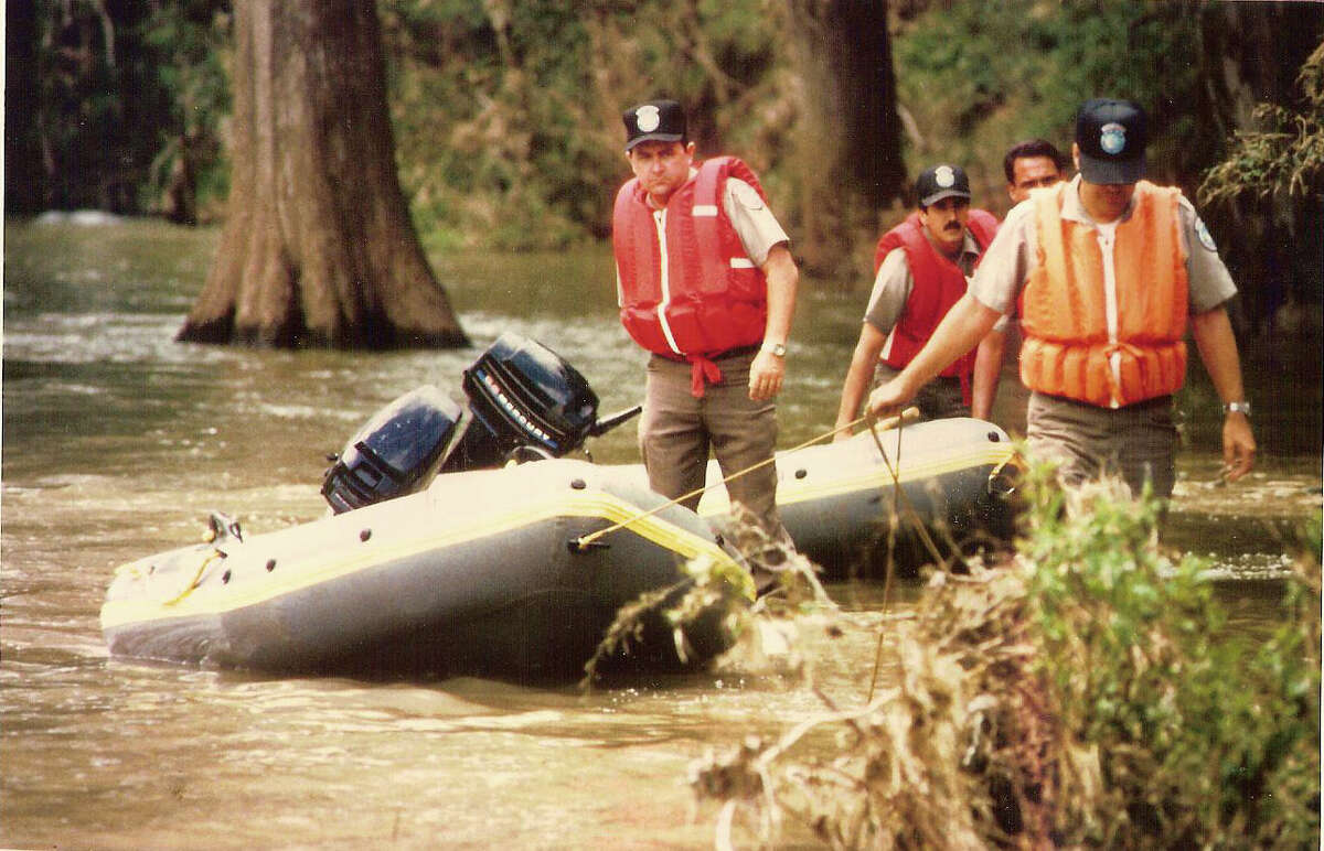 As a result of the July 17, 1987 flood, 10 people died. They were all students who were on a school bus, on their way to a church camp. Thirty other students survived.