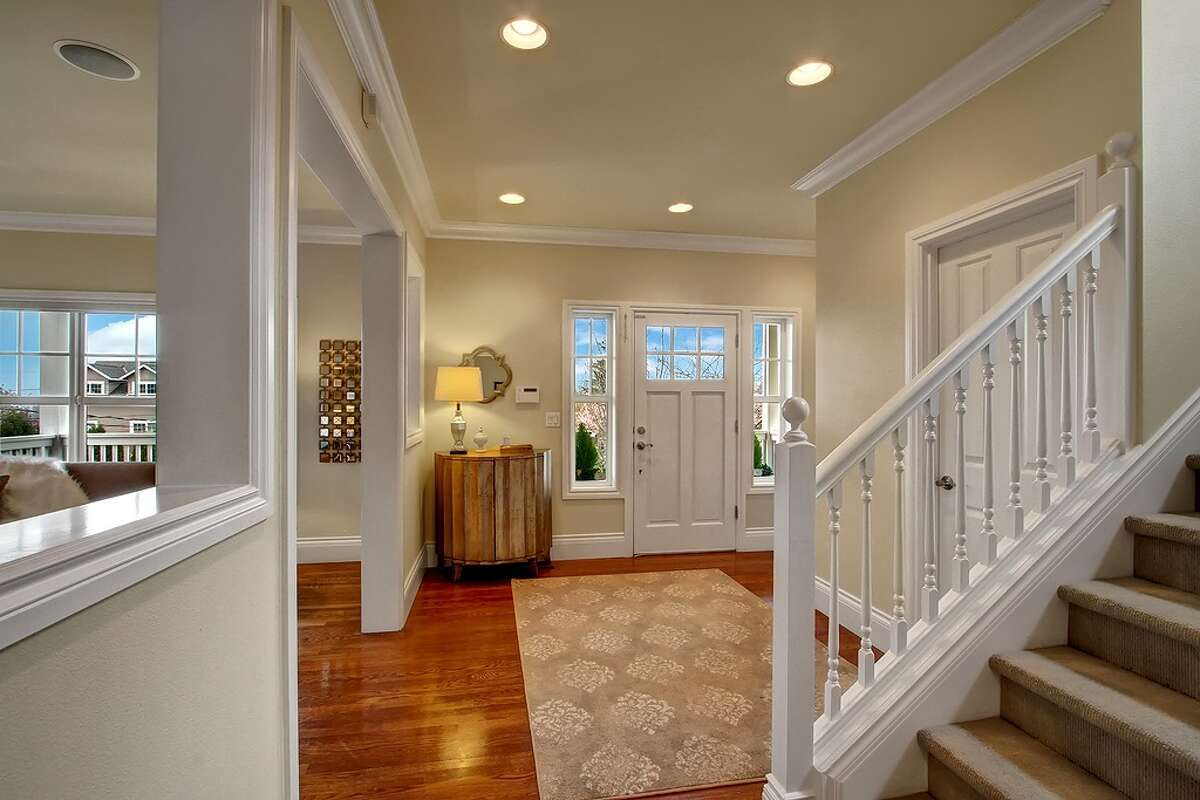 The entry way of 2538 29th Ave. W.