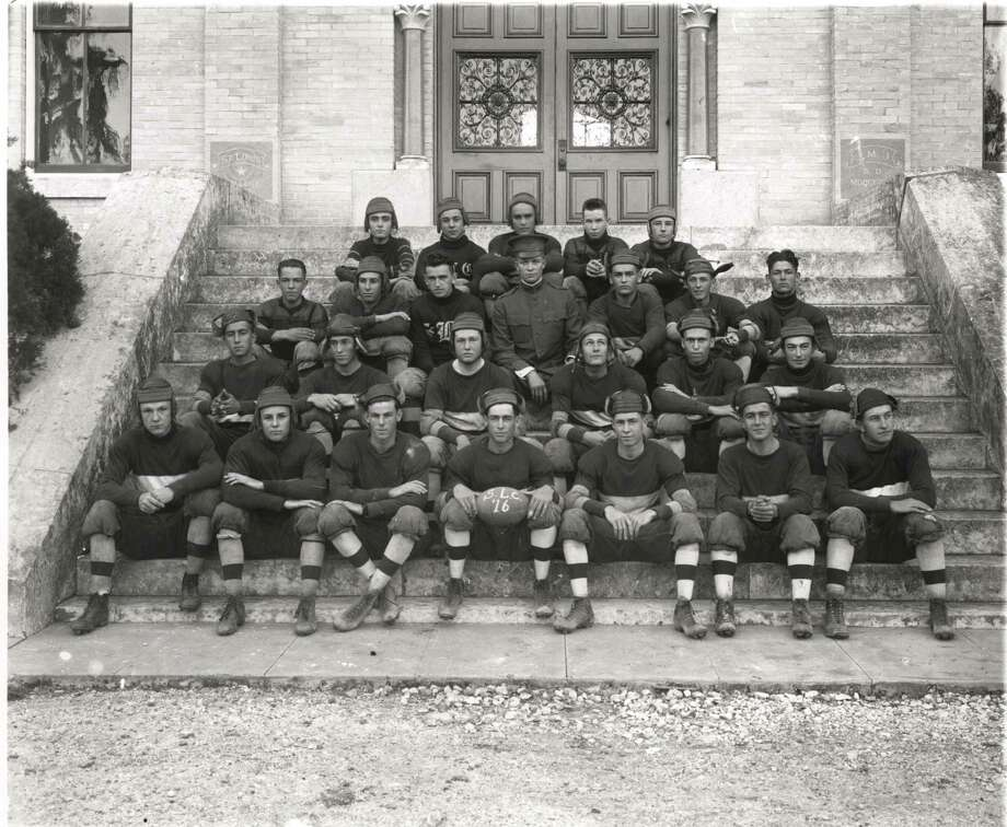 The 1916 St. Mary's College football team, coached by Dwight Eisenhower (center in military uniform). Photo: Courtesy Photo /St. Mary's University