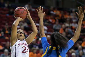 Orrange helps Stanford hold off UCLA for Pac-12 tourney win - Photo