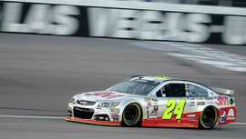 Jeff Gordon won the pole position while qualifying for Sunday's NASCAR Sprint Cup Series race.