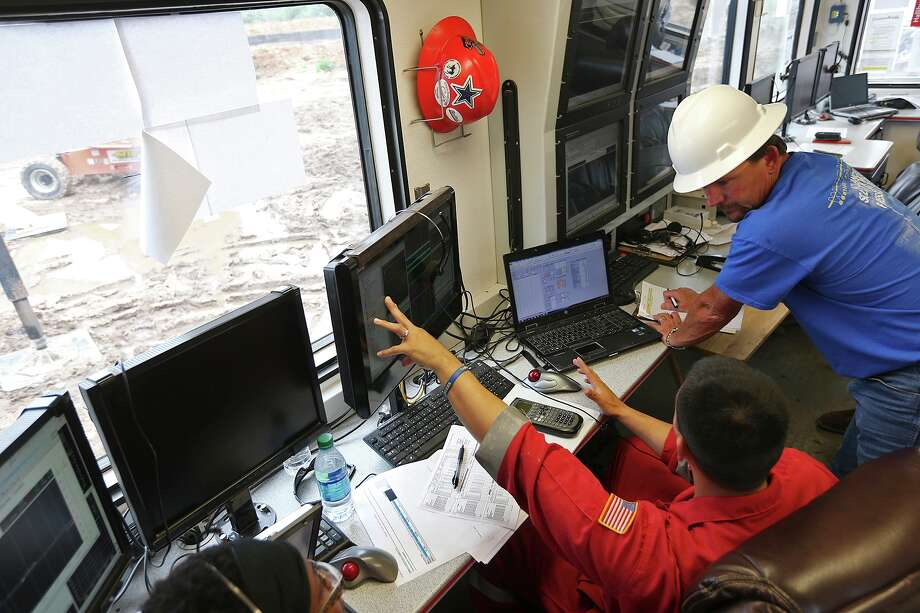 Until just a few months ago, oil companies had spent years complaining they couldn't find enough qualified workers to fill their ranks. Today, some of those same companies are shedding employees rapidly. Photo: Express-News File Photo / ©2013 San Antonio Express-News