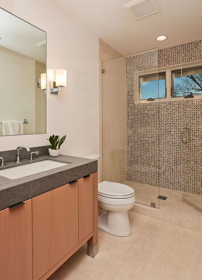 Menlo Park Townhouse By John Lum Architecture: Menlo Park Town House Offers All The Amenities