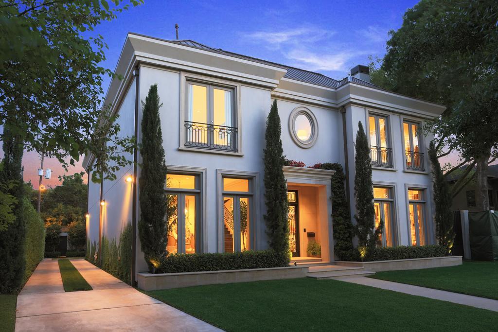 River oaks home sees 1 million price reduction houston for Houston house elevation