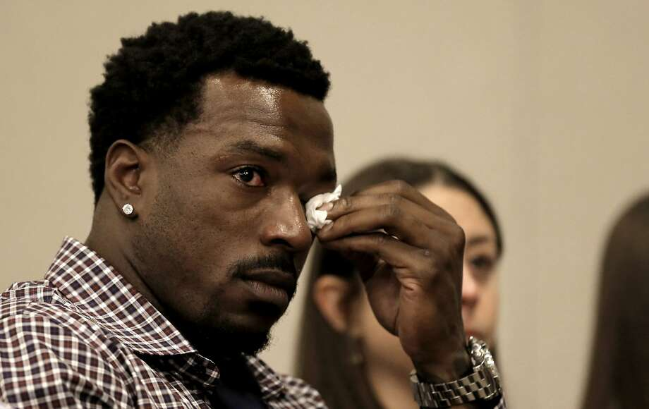 San Francisco 49ers' linebacker Patrick Willis, wipes away tears as he prepares to announce his retirement during a press conference at Levi's Stadium in Santa Clara, Ca. on Tues. March 10, 2015. Photo: Michael Macor, The Chronicle