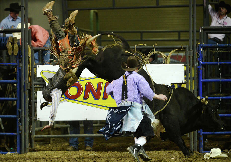 Rodeo Kicks Off Ymbl South Texas State Fair Beaumont